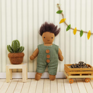 Holdie-Folk-Moss_doll